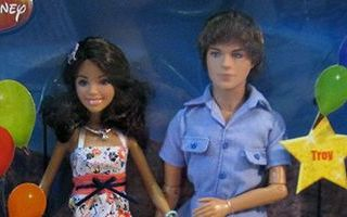 High School Musical 2 Summer Romance Gabriella & Troy Dolls