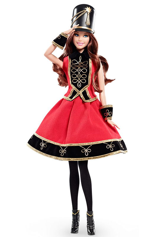 промо-фото FAO Schwarz 150th Anniversary Barbie Brunette