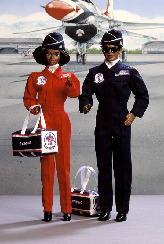 промо-фото Air Force African-American Barbie and Ken Deluxe Set